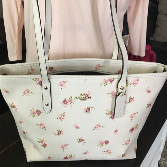 354ed866a286 Authentic Coach Spring Floral City Zip Tote